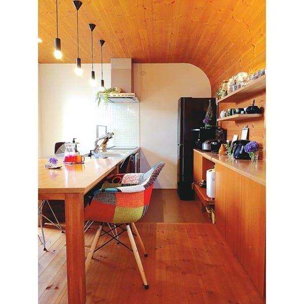 デザイナーズチェアをインテリアに!世界中で愛されているイームズのシェルチェア