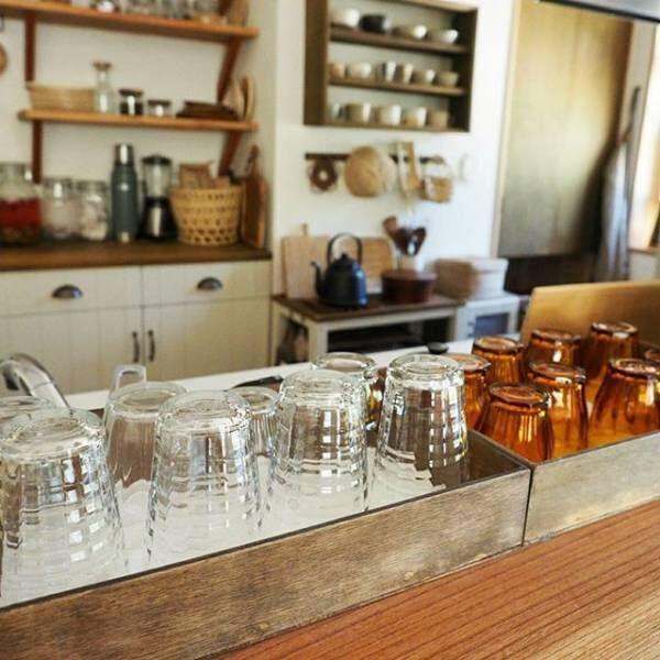 おしゃれなおうちカフェ空間を楽しむコツ☆見せる収納にも有効なキッチンアイテム