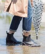 梅雨でもオシャレを楽しもう!【レインブーツ】で楽しむ大人コーデ♪