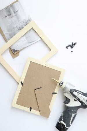 【連載】100均フレームと角材を使ってシンプルでカッコイイ本棚を作ろう!
