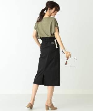 大人のヘルシーな肌見せ☆「スリット入りの黒タイトスカート」で魅せる初夏の着こなし術