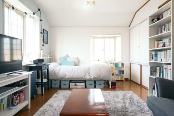 収納が少なくてもあきらめない!すっきりとした心地よいベッドルームを作るアイデア