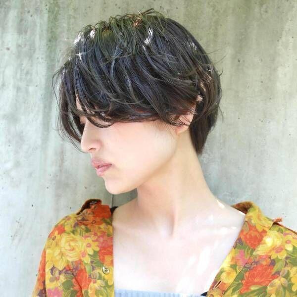 ボリュームニットに合わせたい♡えりあしスッキリのショートヘア