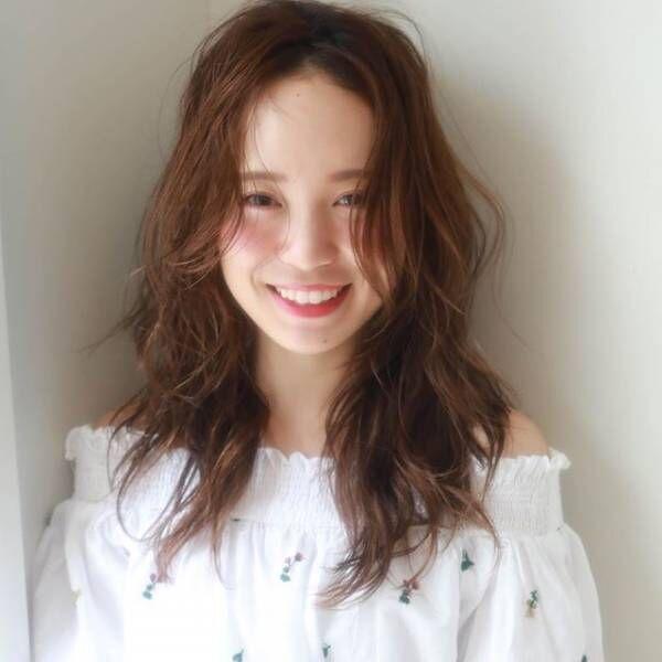 巻き髪スタイル