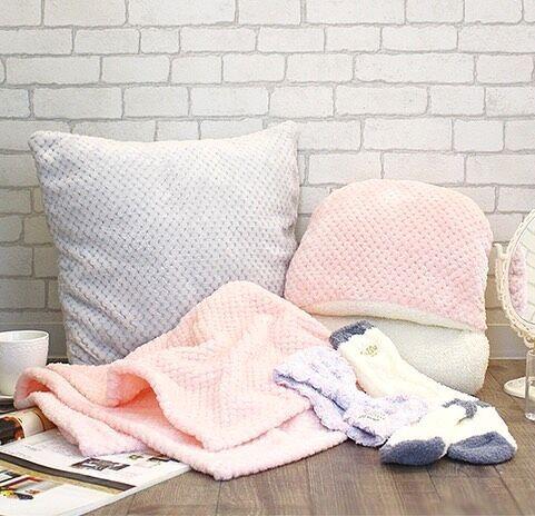 お部屋のイメージチェンジにおすすめ!【CouCou】のプチプラなクッション&カバー