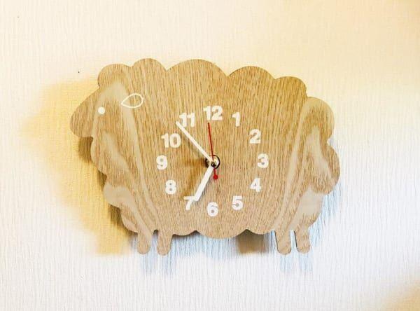 キュートな羊モチーフの時計