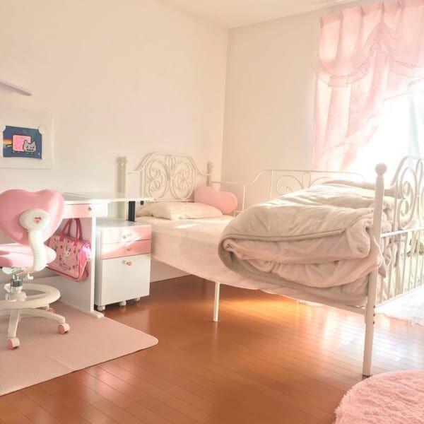 憧れのガーリーでおしゃれな空間真似したくなる女の子部屋のインテリア