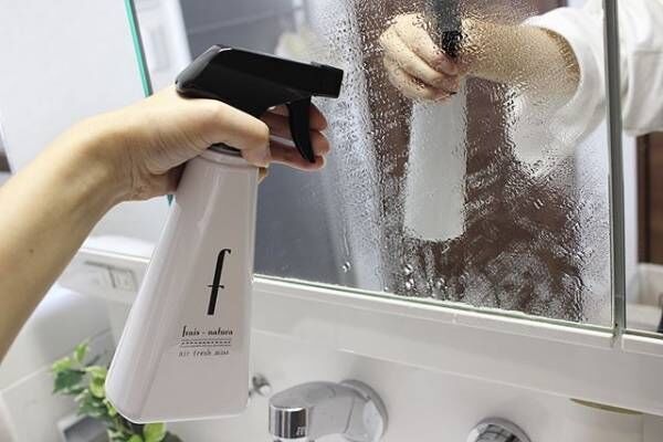 風邪対策 洗面所の鏡を除菌&掃除