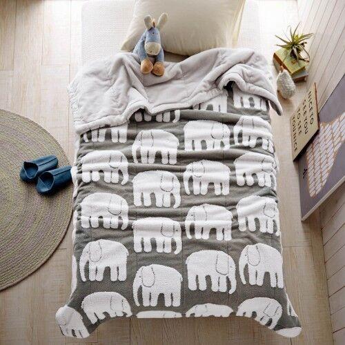 ゾウ柄毛布ベルメゾン