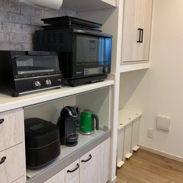 キッチンカウンターインテリア 家電のカラーを統一
