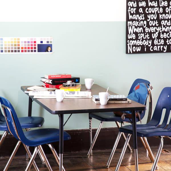 カジュアルな雰囲気がたまらない!ダイナー・カフェ風の食事スペース