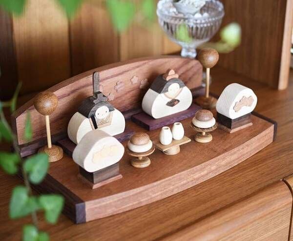 木製の雛人形