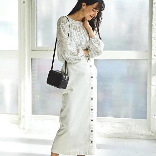 オシャレな雰囲気たっぷり!【ホワイト&ブラックデニムスカート】で春コーデ☆