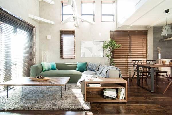 存在感のあるソファをインテリアに!「MANI(マニ)ソファ」のある6つのお部屋