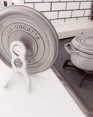 ダイソー挟む鍋ふたスタンド