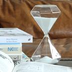 デザイン性が優れている素敵なアイテム!砂時計をお部屋にプラスしよう