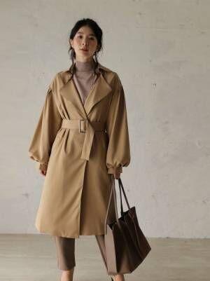 シンプルにエレガントなエイジレスポワン袖コート