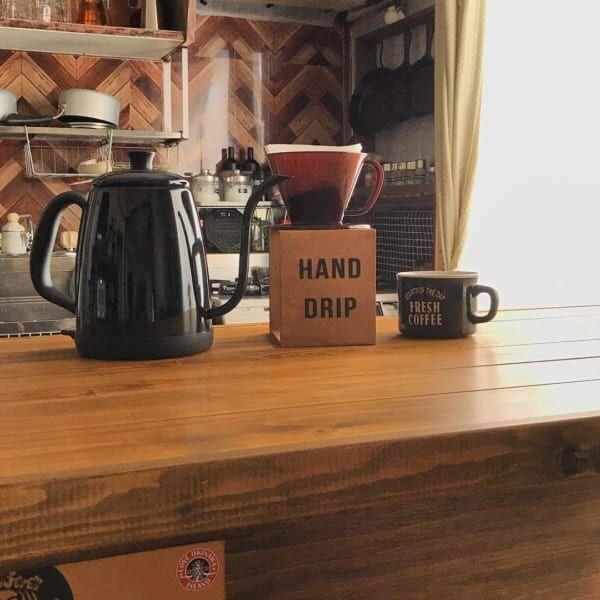 セリアのコーヒードリッパーとコーヒースタンド:プラスチック&木製