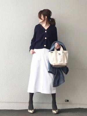 ユニクロホワイトスカート