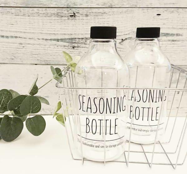 調味料ボトル