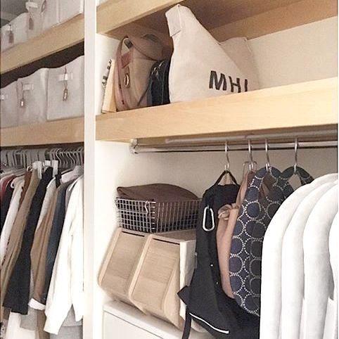 クローゼットを整理整頓♡衣替えに役立つ《衣類・寝具の収納アイデア》