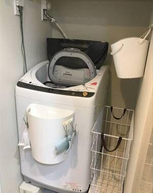 洗濯機の前面に収納ボックスをペタリ