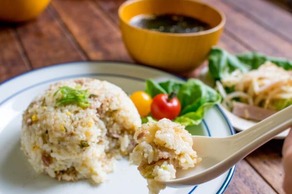 【連載】炊飯器に入れるだけ!ネギ豚チャーハンと簡単副菜で楽々中華献立♪