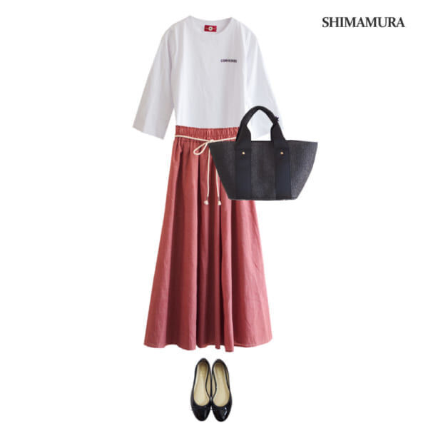 【4940円コーデ】白Tシャツとフレアスカートでシンプル&爽やかに