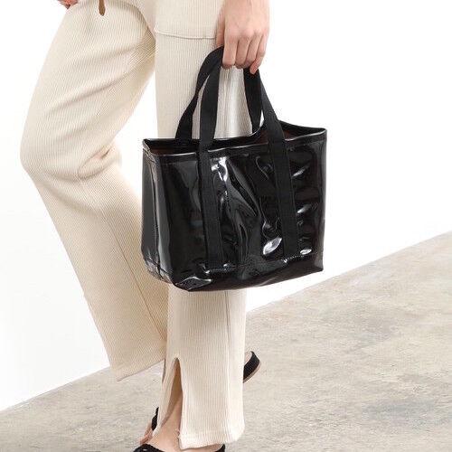梅雨時期バッグもおしゃれに♡今買いバッグは《PVC》で決まり!