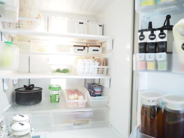 冷蔵室の整理に便利!重なる仕切りケース