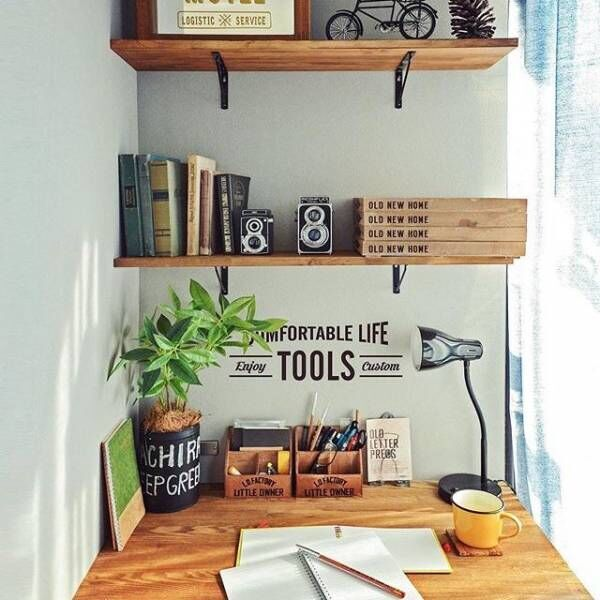 収納が少ない部屋でも諦めない!壁面シェルフとディアウォールの省スペース収納術