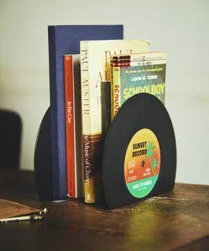 レコードモチーフのブックエンド