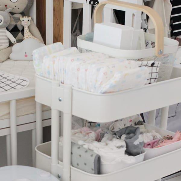 赤ちゃんのお世話セットはワゴンに収納2
