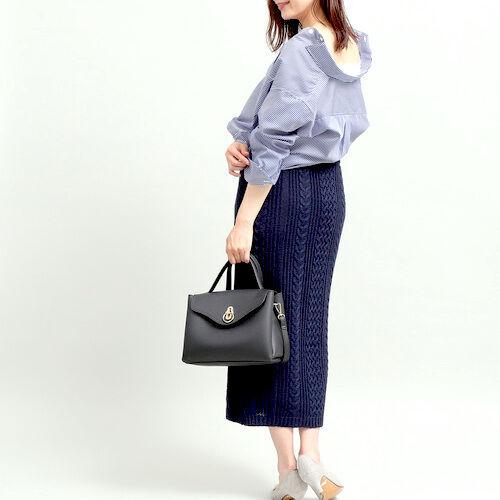 程よいフィット感が大人っぽい♡「長め丈ニットスカート」のフェミニンコーデ15選