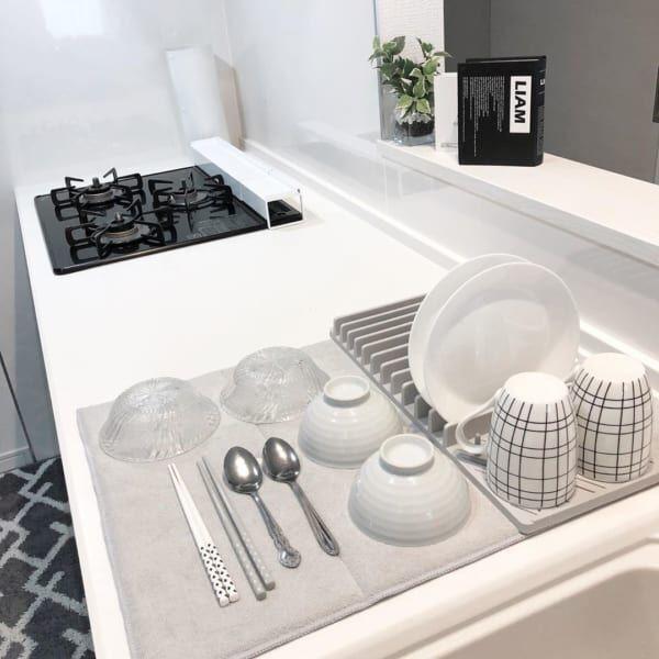 キッチンまわりをすっきり快適に!食器類の水切りアイデアや便利グッズをご紹介