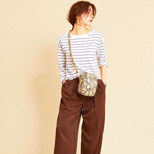 シンプルなTシャツとカットソーで叶える♡初秋ムードの着こなし