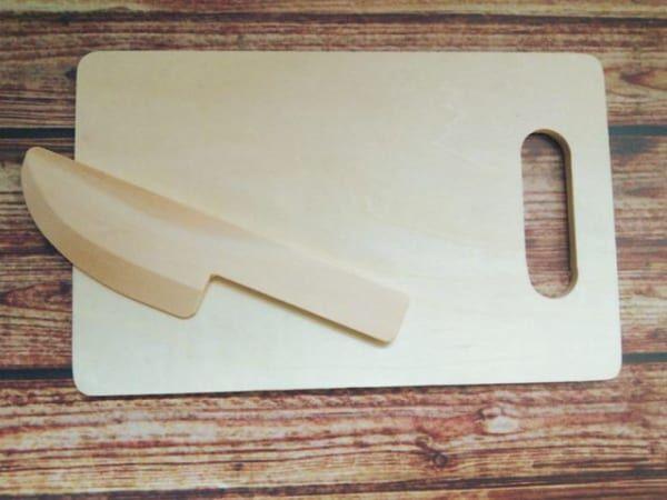 ままごと用のまな板と包丁のセット