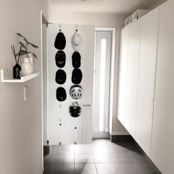 扉の裏も収納スペースに活用2