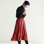 秋のサテンスカートコーデ15選♡煌くスカートでエレガントスタイル♪