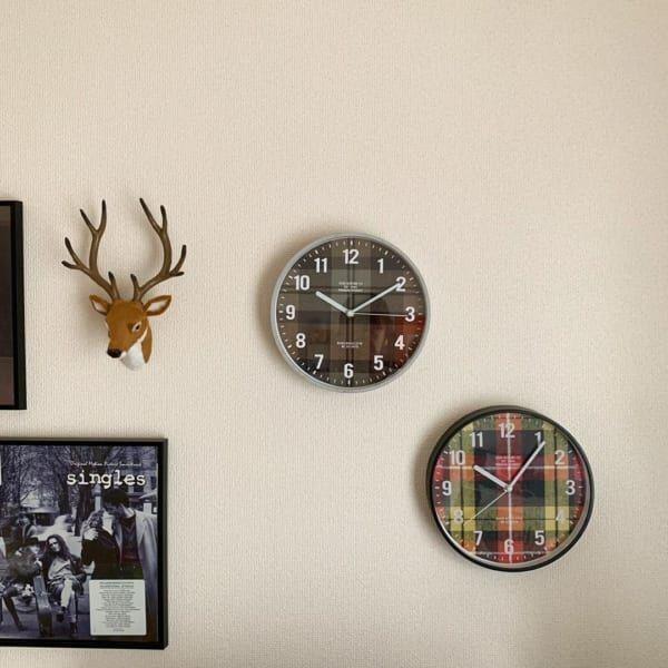 時計も秋らしいチェック柄で