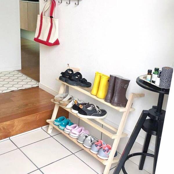 もう散らからない!玄関の子供靴やおもちゃがスッキリする収納アイデア
