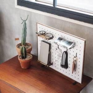 【連載】《ダイソー》の有孔ボードを簡単リメイク♪家中使えるスタンド型収納ボード