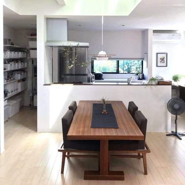 オシャレなお部屋作りに役立つ♪魅力的な「テーブル」のあるインテリア実例
