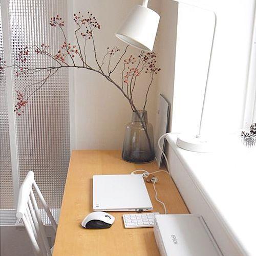 パソコンはリビングと書斎どっちに置く?使いたい時にすぐに使える収納方法