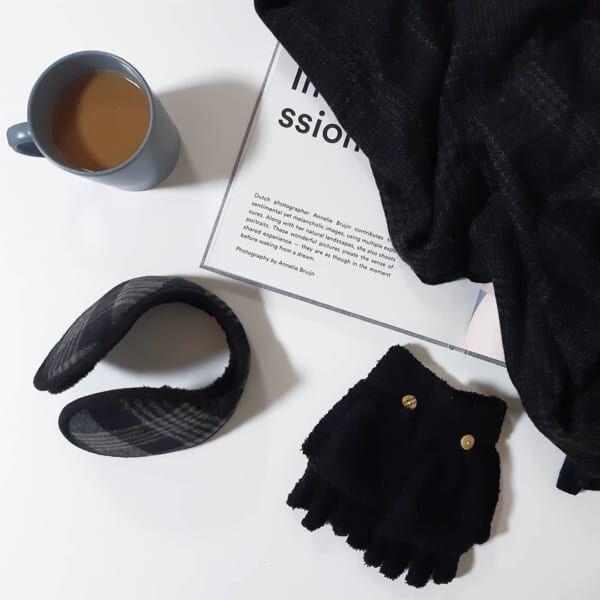 寒い日の必需品イヤーウォーマーと手袋