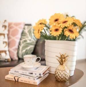 黄色いお花の飾り方!インテリア風水で運気上昇を試してみよう