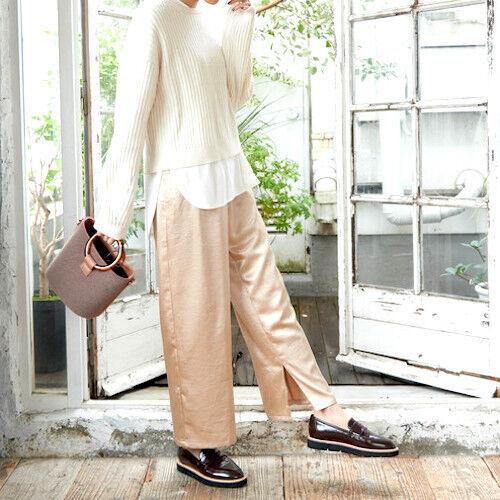 大人ならファッションもクールに♪冬の「パンツコーデ」15選