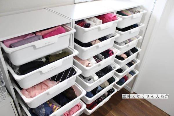 カラーボックスとカラボにぴったり収納ボックスを使って洋服収納