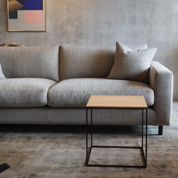 シンプルデザインのサイドテーブル3