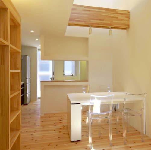 狭いスペースでも明るく広く!風と光が感じられる狭小住宅の実例5軒